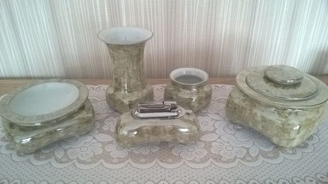 Piękny 5 częściowy komplet porcelanowy