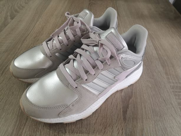 Tenis/sapatilhas Adidas tam 38