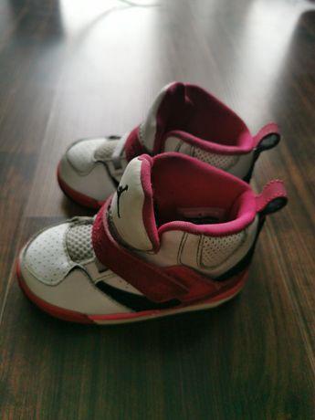 Buty dziecięce  Nike Jordan, rozm. 22