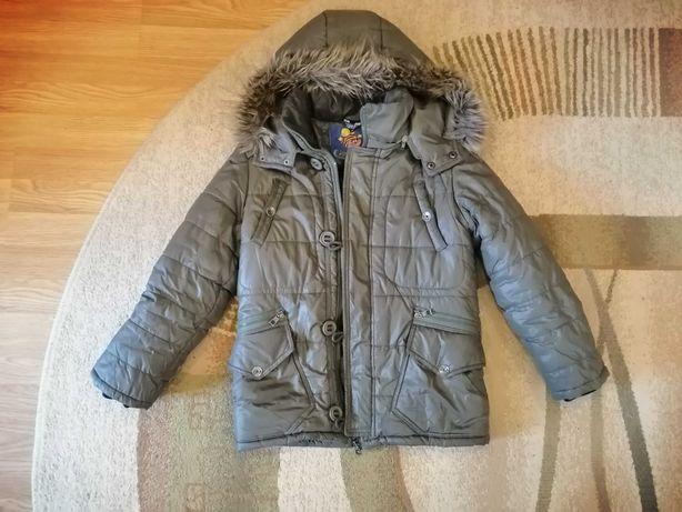 Продам фірмову зимову куртку.