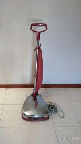 Máquina aspirador encenadora vintage