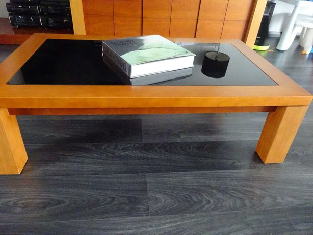 Mesa sala de estar madeira nogueira+vidro negro