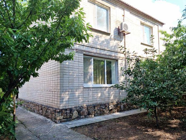 Продам 2-х этажный кирпичный дом район 8-е Марта