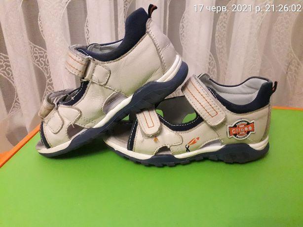 Босоніжки 29 розмір 18 см стелька босоножки  обувь