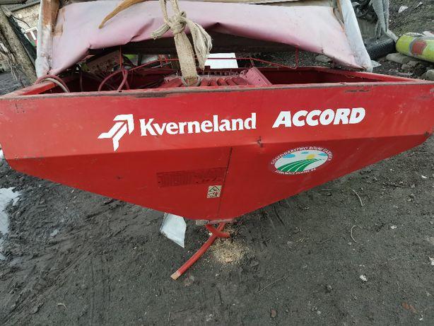 Cześci Kverneland Accord