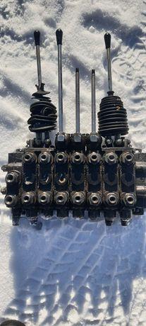 Rozdzielacz hydrauliczny 7sekcji