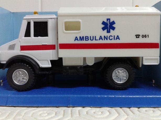 Unimog Ambulância Caravana