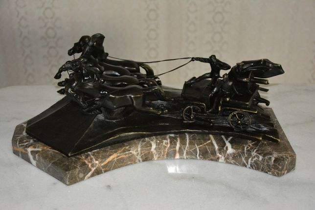 Escultura de bronze de luxo-russo Tachanka