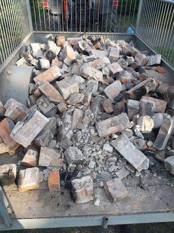 Gruz z Komina Cegły cegła Komin w częściach