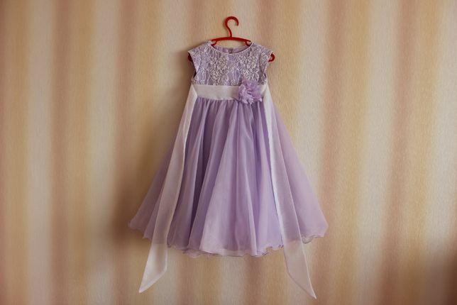 Нарядное детское платье на рост 116-122 см