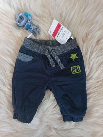 Nowe spodnie ocieplane rozmiar 62