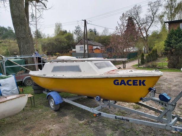 Jacht Orion żaglówka łódka kabinowa
