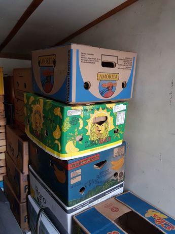 Paczki z bananów , skrzynki , pojemniki , papierowe