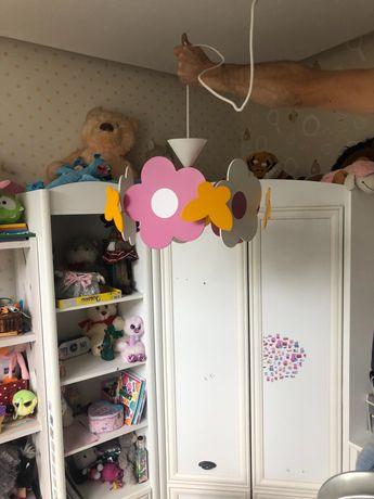Люстра в детскую комнату б/у