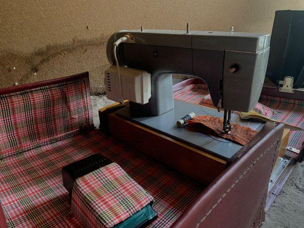 Швейная машинка Чайка-III