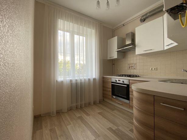Продам 2к. квартиру в Соломенском районе, ул. Лисичанская.Собственник.