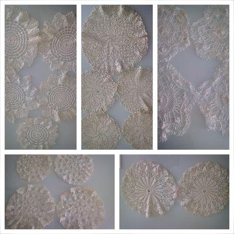 Naperons (são 82) com vários conjuntos em crochet (croché ou crochê)*
