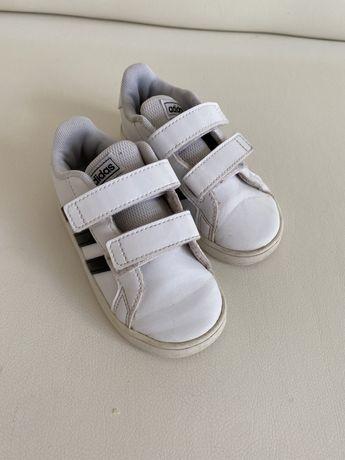 Дитячі кросівки, кроси