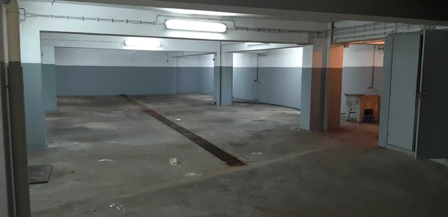 ARMAZEM Arrendar 230 m2 - Estoril