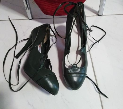 туфельки новые сток из натуральной кожи с переплётом р.39