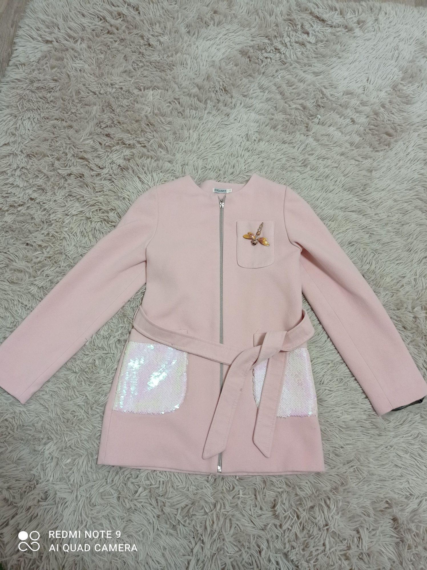 Плащик рожевий на дівчинку