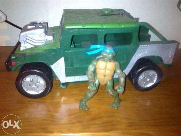 Carro Tartarugas Ninja+ 2 tartarugas : Leonardo e Donatello.