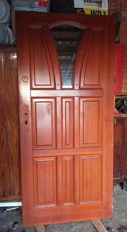 Drzwi zewnętrzne drewniane 90 prawe