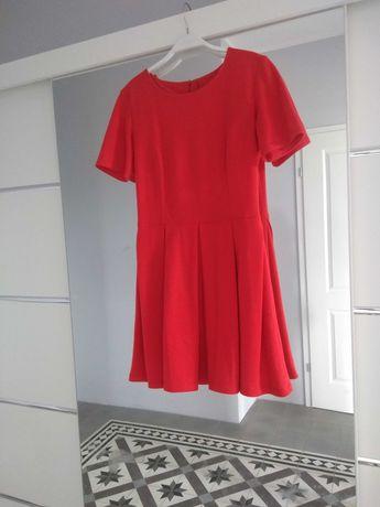 Sukienka czerwona rozkloszowana M