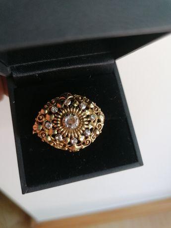 Alfinete em ouro e diamantes