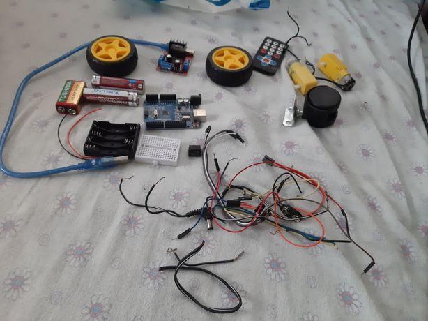 Набір для складання машинки arduino