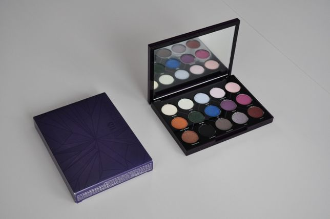URBAN DECAY Distortion Eyeshadow Palette - Paleta Cieni