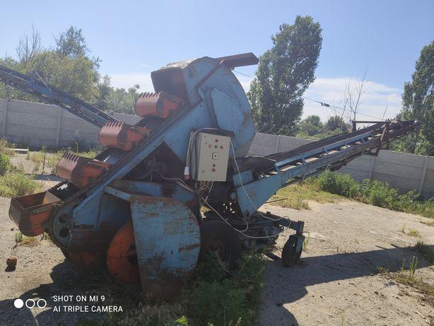 Продам погрузчик ковшовый шнековый КШП-6