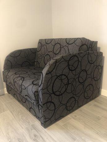 Fotel rozkładany z funkcja spania.