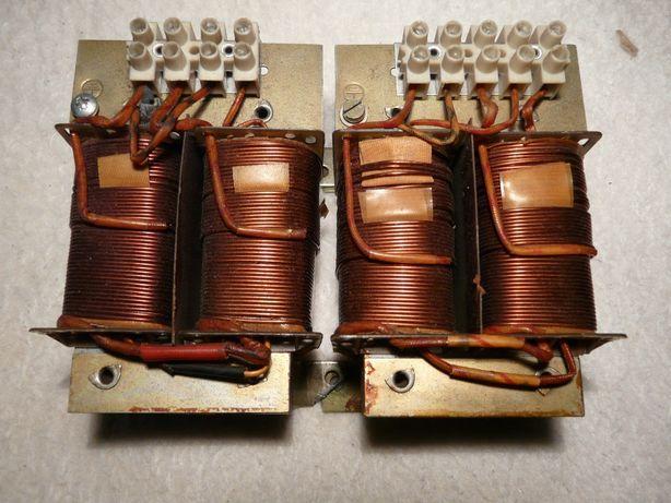 Sprzedam dwa transformatory 220-24V.