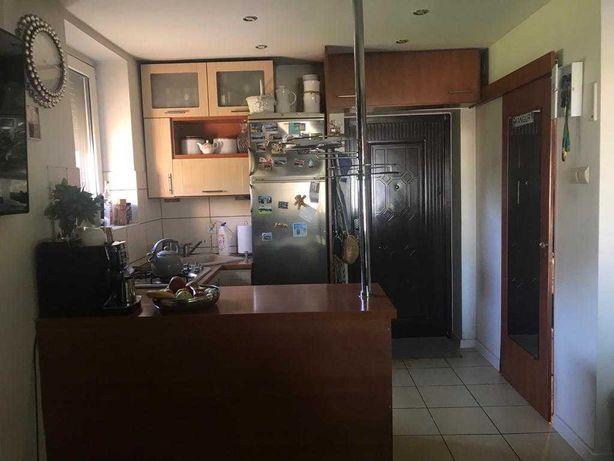 Sprzedam mieszkanie dwupoziomowe 3 pokoje garaż podwórko