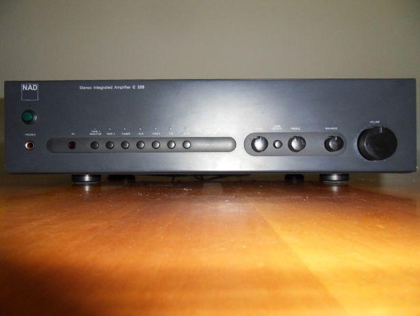 Amplificador NAD C320