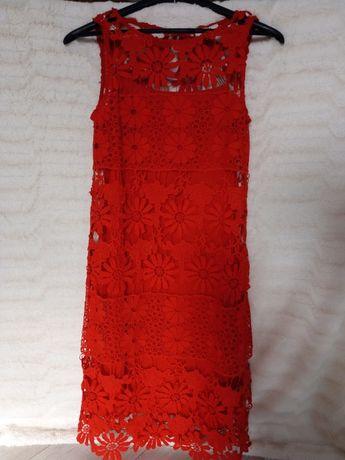 Czerwona koronkowa sukienka na ramiączkach o rozm. 36, nowa.