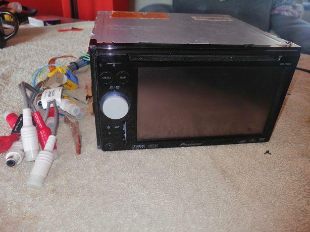 radio 2 din pioneer AVIC-F 900 BT uszkodzone.