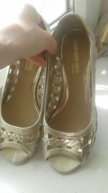 Босоножки - туфли золотые 39