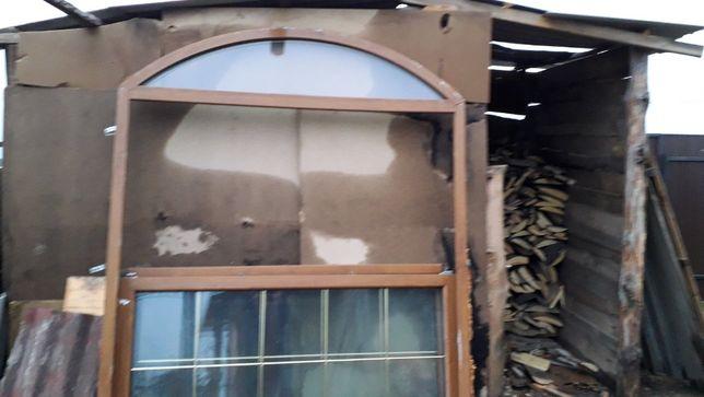 Арочная входная группа (с аркой). Окно+двери. 5 камер, орех.