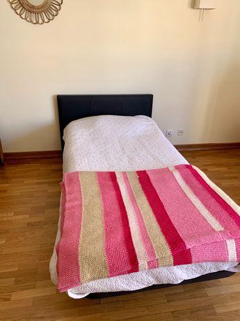 Cama de solteiro (base e colchão) em perfeito estado