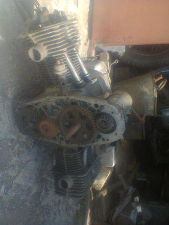 Продам двигатель до мотоцикла МТ на запчасти.