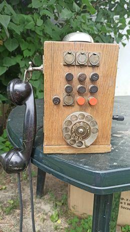 Stary drewniany telefon Ericssona centralka hotelowa