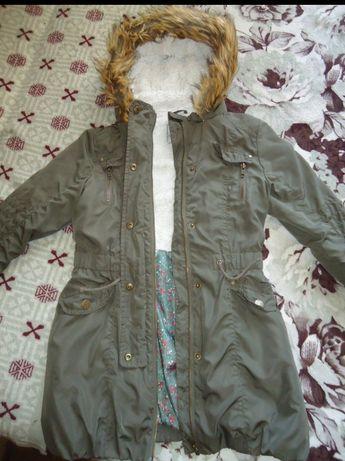 Курточка парка демисезонная на девочку 9-10 лет