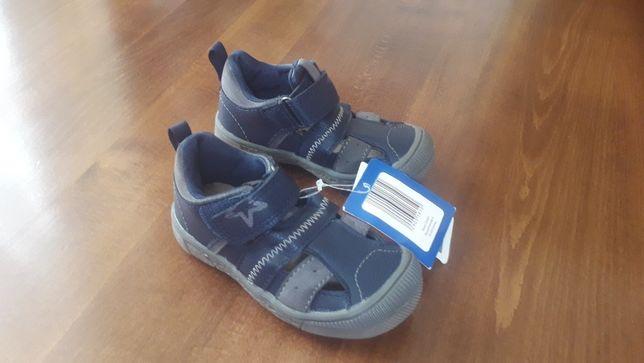 Детские туфли-босоножки