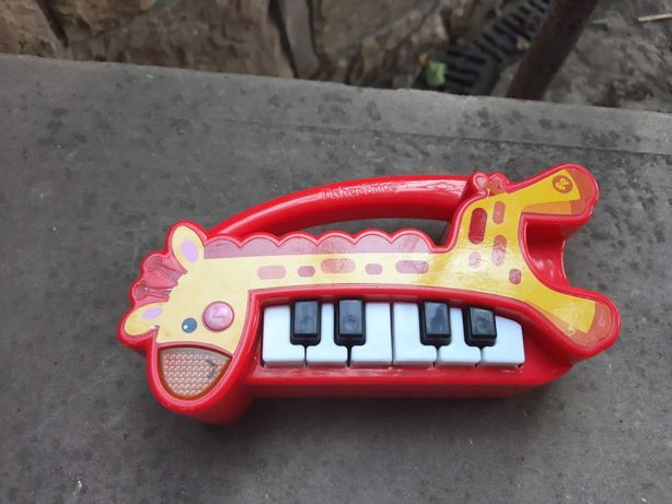 Дитячий музичний інструмент.