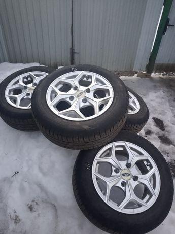 Комплект літньої резини на титанових дисках до Ford Fiesta
