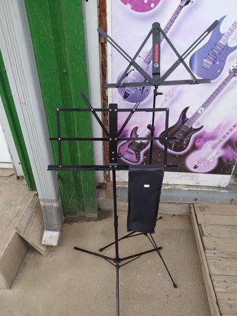 Пюпитр нот Гитарный усилитель УЭМИ 10 Комбоусилитель звукосниматель