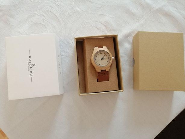 Zegarek damski drewniany drewno pasek skórzany.