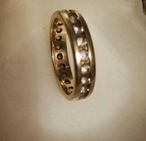 Piękna złota obrączka 585 jedyna taka wokół rząd cyrkonii rozmiar 14